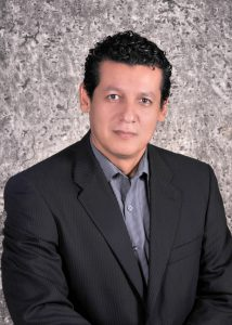 Dr. Luis Robles