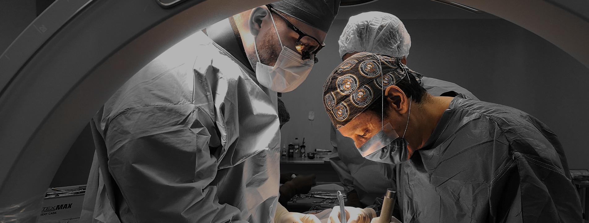 Dr. Robles operando