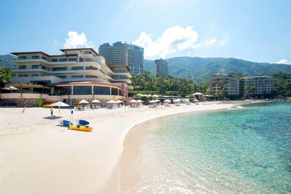 Puerto Vallarta features stunning beaches and plenty of activities to choose from.